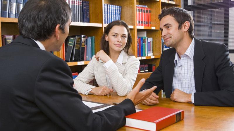 Граждане на консультации у юриста
